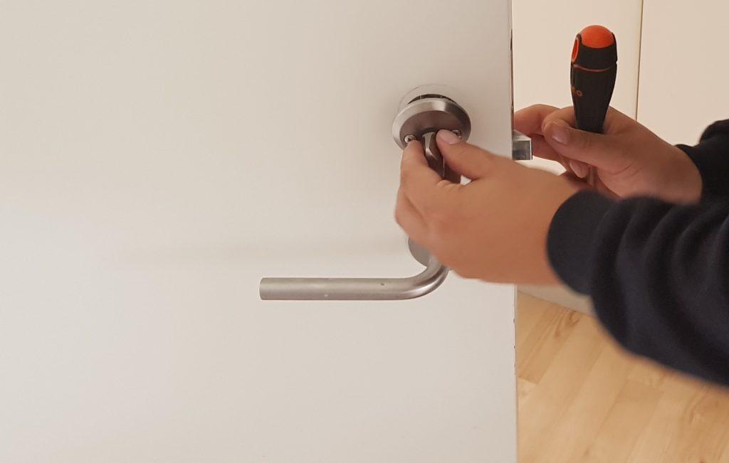 Montering af lås af låsesmed amager