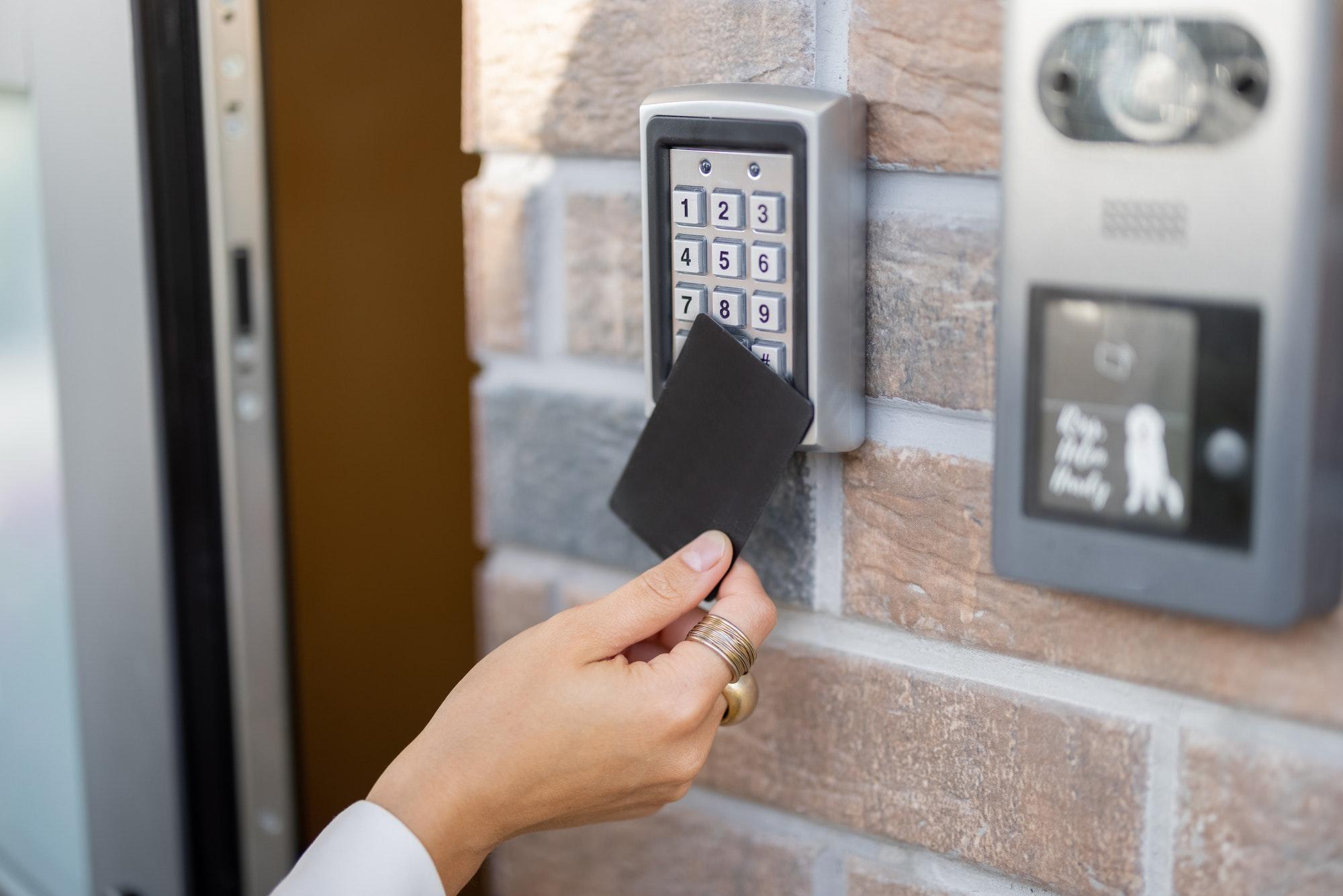 8 ting, du skal være opmærksom på ved kodelås til hoveddøren