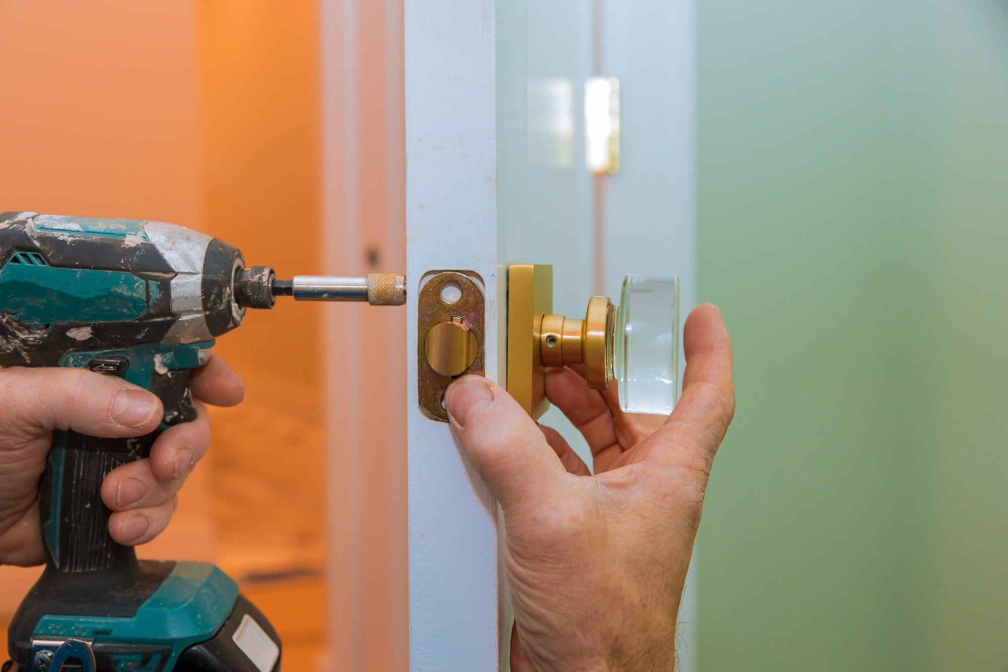 Låsesmed priser, hvad koster en montering af lås? Hvad koster endelig en låse og montering af lås?