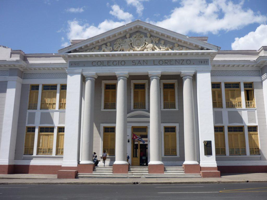 LatinA Tours Kuba Cienfuegos - Colonial buildings, City, Art wall, Central Region,
