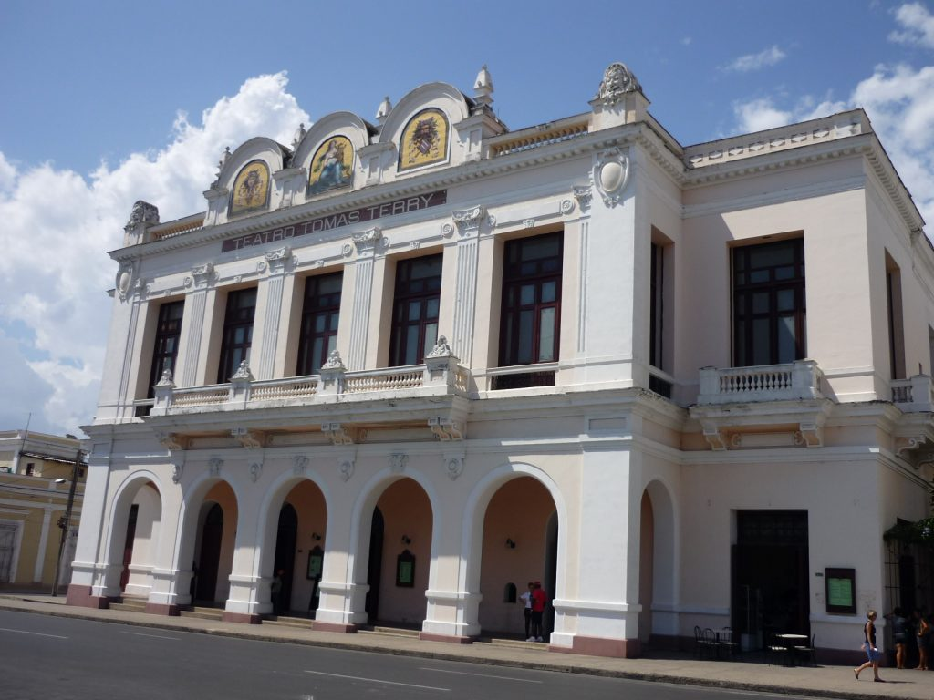 LatinA Tours Cuba Cienfuegos - Colonial buildings, City, Blue heaven, Central Region