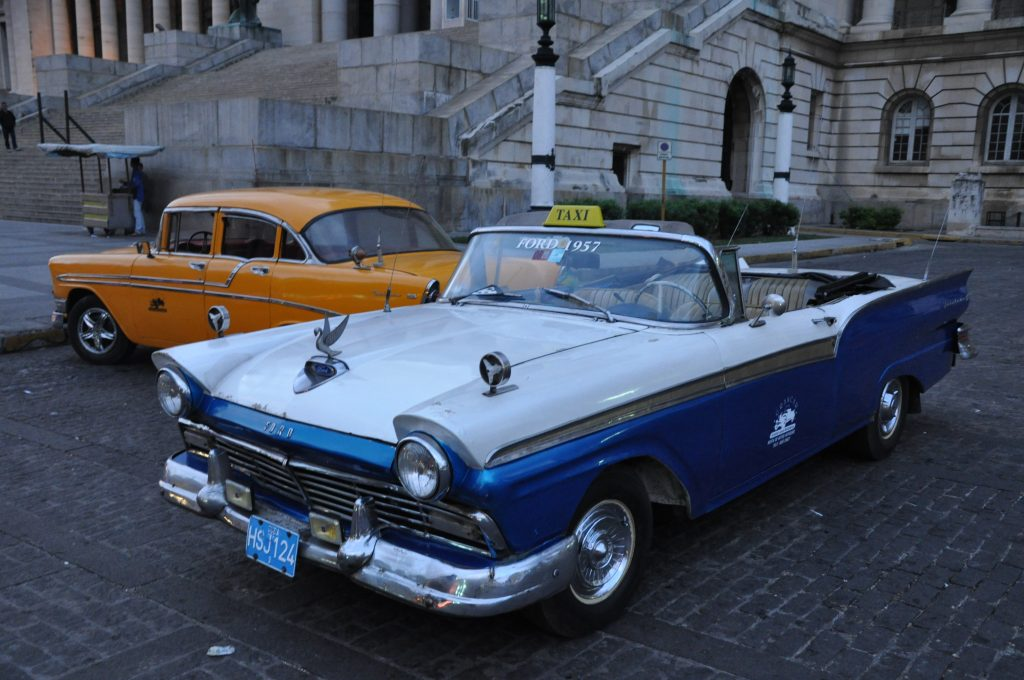 LatinA Tours Kuba Havana - City, Tour, Excursions, Vintage Car, Occidental Region,