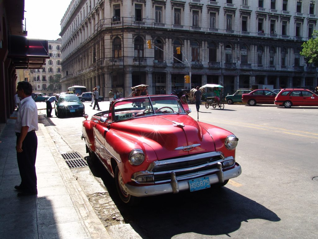 LatinA Tours Kuba Havana - Street, Car, Colonial, Buildings, City, Tour, Cuba
