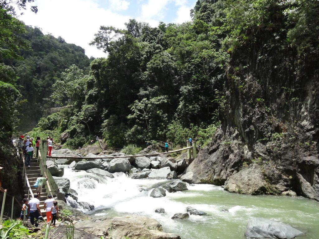 LatinA Tours Dominikanische Republik Jarabacoa - river, Salto de Jimenoa, waterfall, central valley
