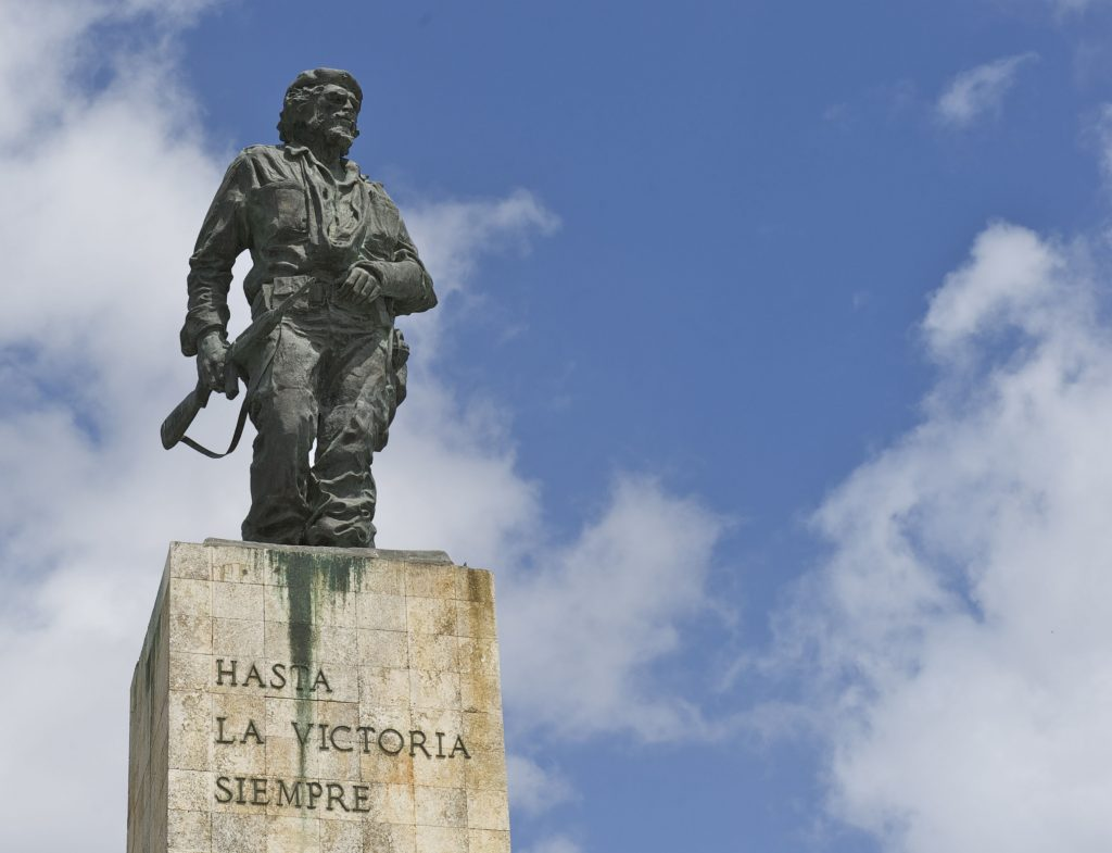 LatinA Tours Kuba Santa Clara - Che Guevara Monument, City, Tour, Excursion, Mask