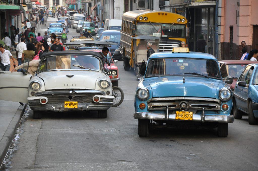 LatinA Tours Kuba Street - Cars, Bus, Transfer, Transportation, Excursion, Roundtr