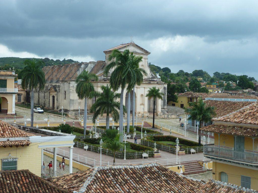 LatinA Tours Kuba Trinidad - City center, Tour, Buildings, Palm trees, Central Reg