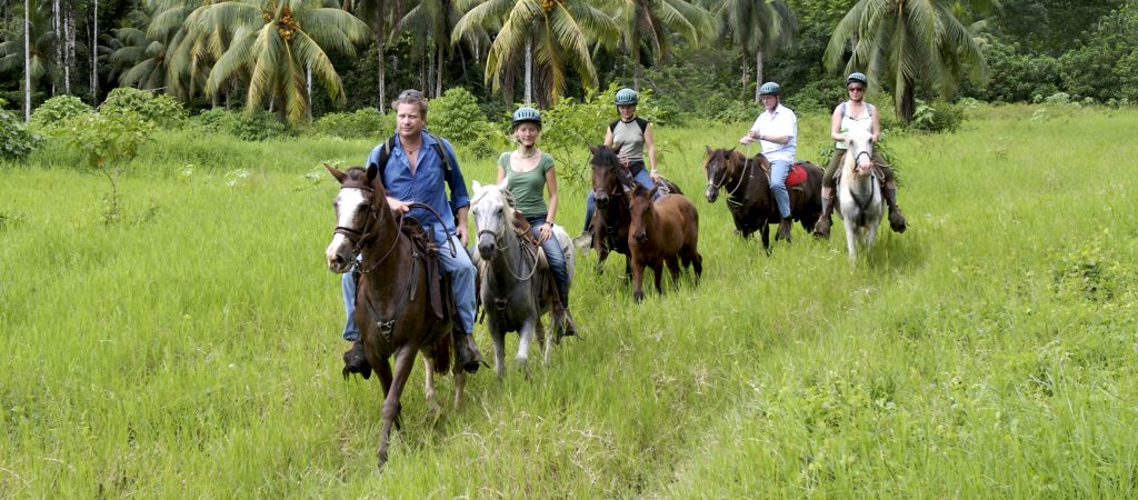 LatinA Tours Costa Rica Selva Bananito Lodge Ausflug Reiten HorsebackRiding