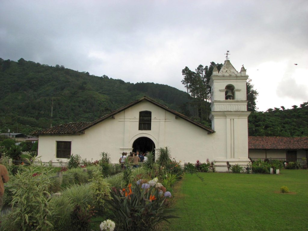 LatinA Tours Costa Rica E-Bike Kirche Orosi
