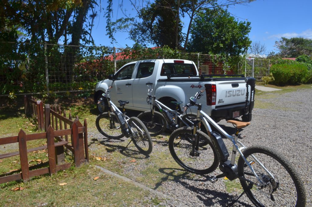 LatinA Tours Costa Rica Radreise Transportauto
