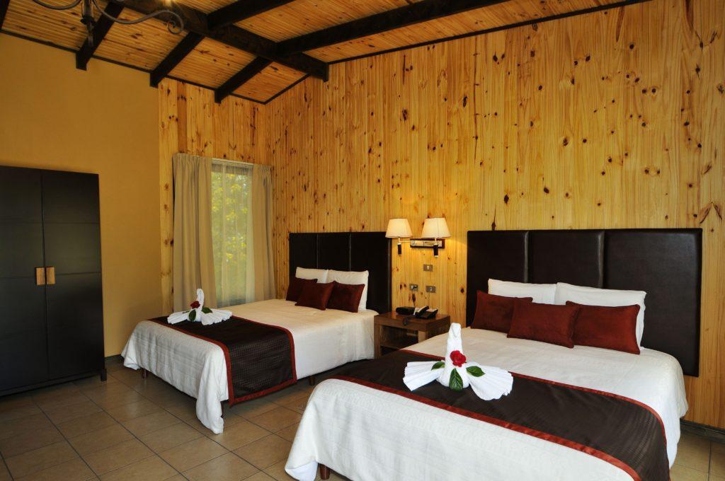 LatinA Tours Costa Rica Savegre Lodge Junior Suite