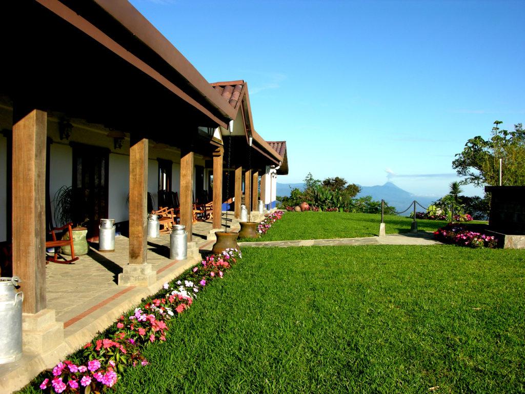 LatinA Tours Costa Rica Villa Blanca Vulkanblick