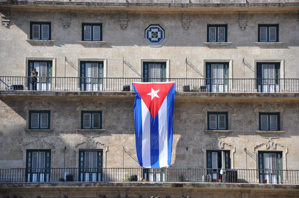 LatinA Tours Kuba Havanna - Excursion, Flag, Balcony, House, Occidental Region, Cuba