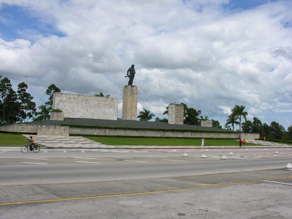 LatinA Tours Kuba Santa Clara - City, Tour, Che Mausoleum, Villa Clara, Central Region