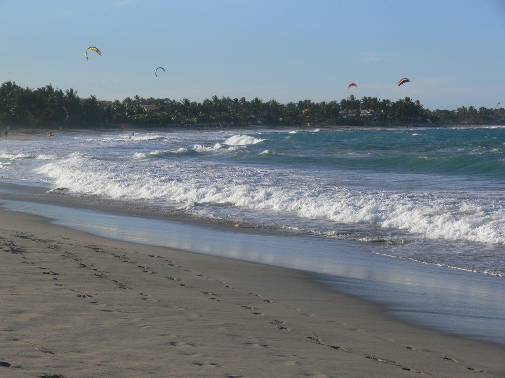 LatinA Tours DomRep Cabarete - Windsurf, Kitesurf, Sports, Ocean, Beach, Sand,