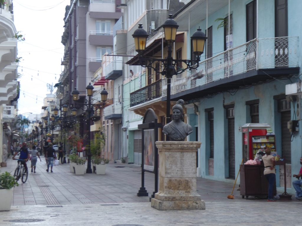 LatinA Tours Santo Domingo Altstadt Einkaufsstrasse Dominikanische Republik