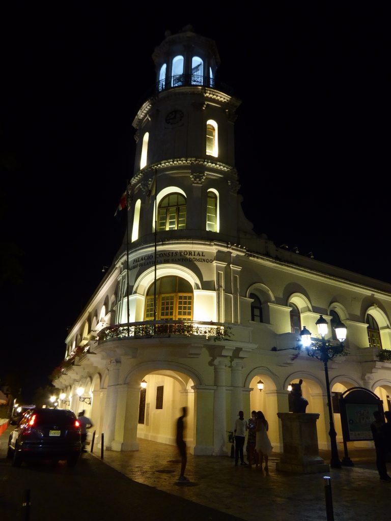 LatinA Tours Santo Domingo DomRep Palacio Consistorial by night