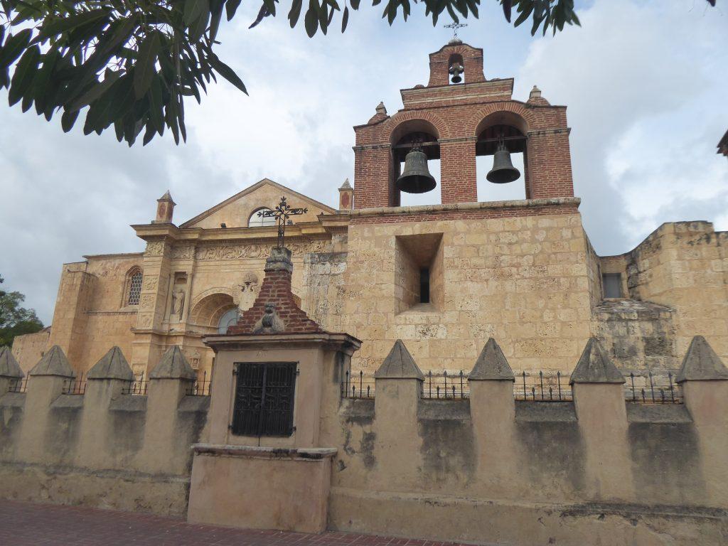 LatinA Tours Santo Domingo Kathedrale Dominikanische Republik