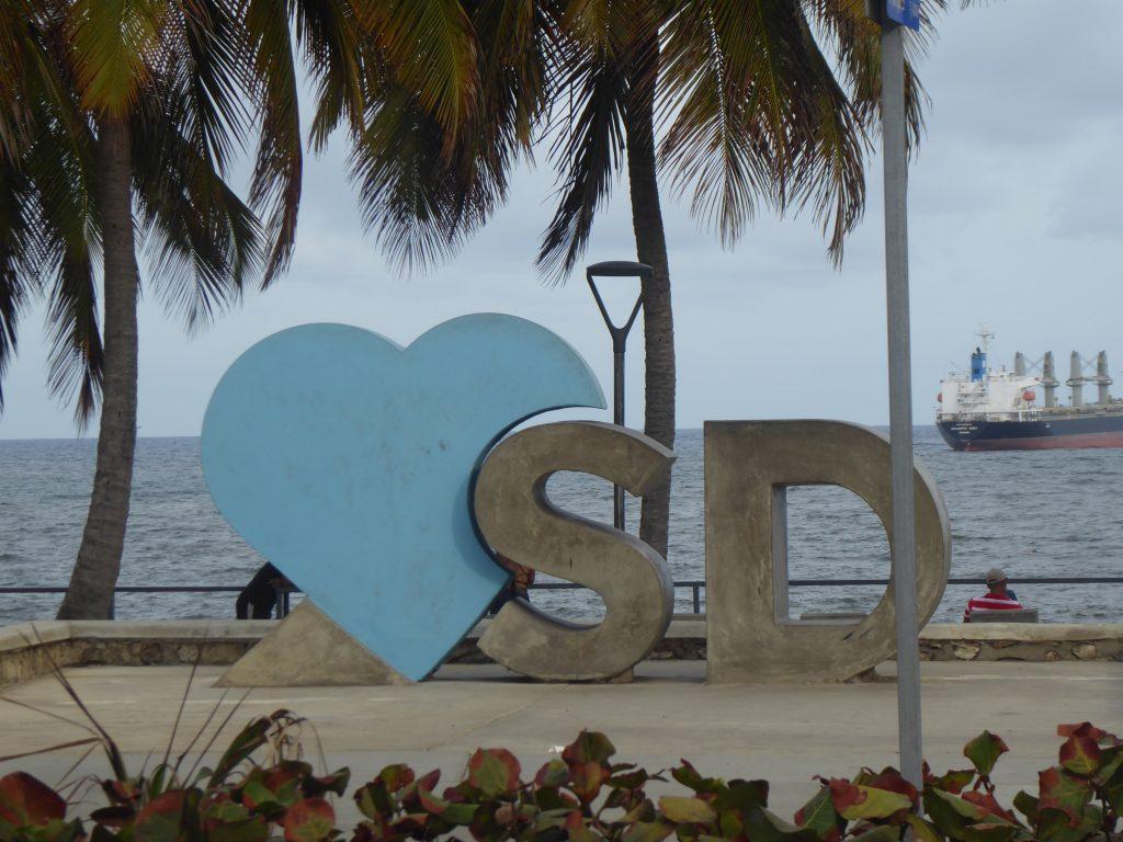 LatinA Tours Santo Domingo Malecon Letters SD Dominican Republic