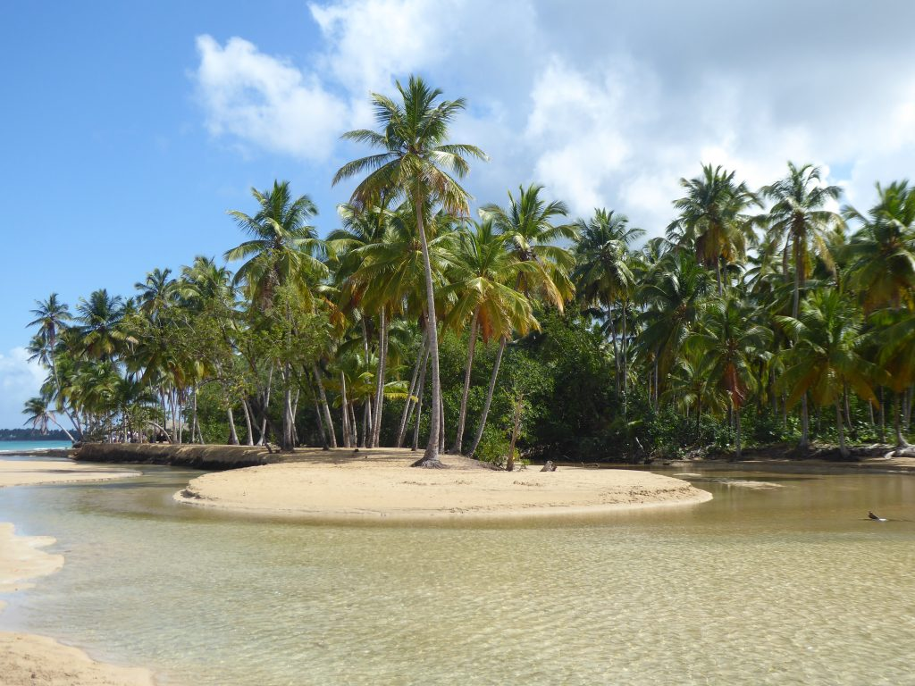 LatinA Tours Dominikanische Republik Las Terrenas Playa Coson Insel im Fluss