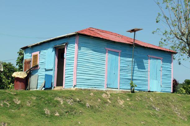 LatinA Tours DomRep Land und Leute Samana Häuschen
