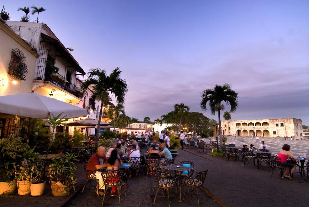 LatinA Tours Dominikanische Republik Restaurant Plaza Espana Sonnenuntergang