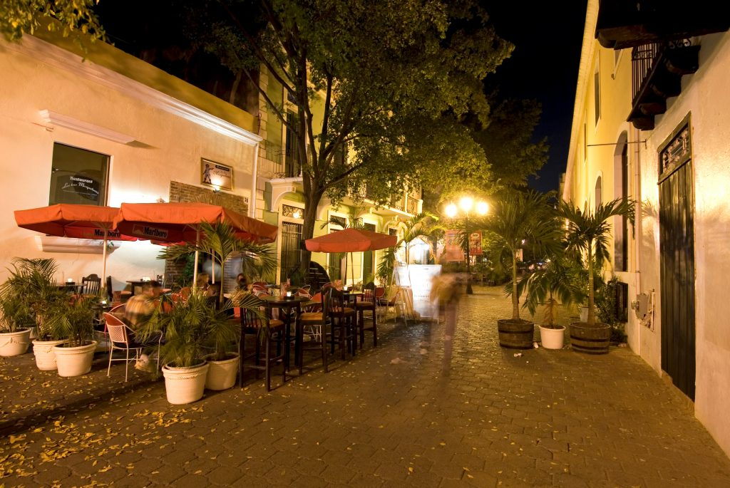 LatinA Tours DomRep Santo Domingo by night