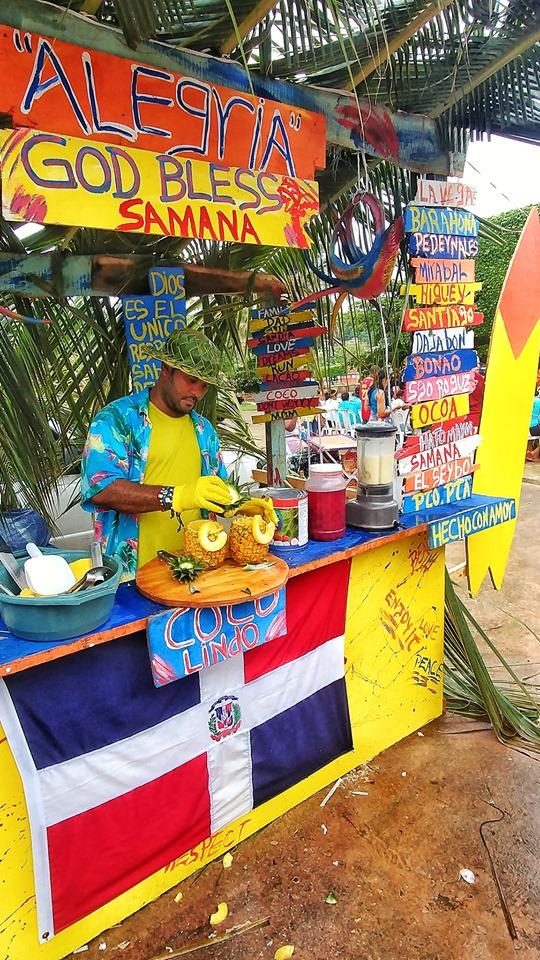 LatinA Tours DomRep bunte Verkaufsbude Samana