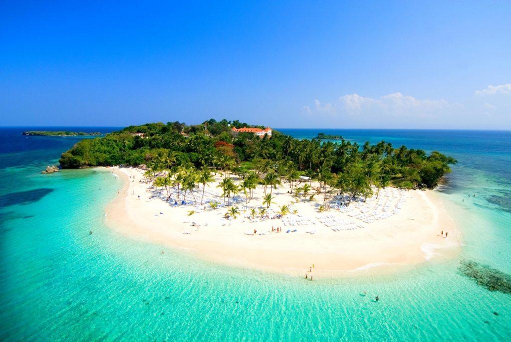 LatinA Tours Dominikanische Republik Cayo Levantado Bacardi Insel weißer Sandstrand