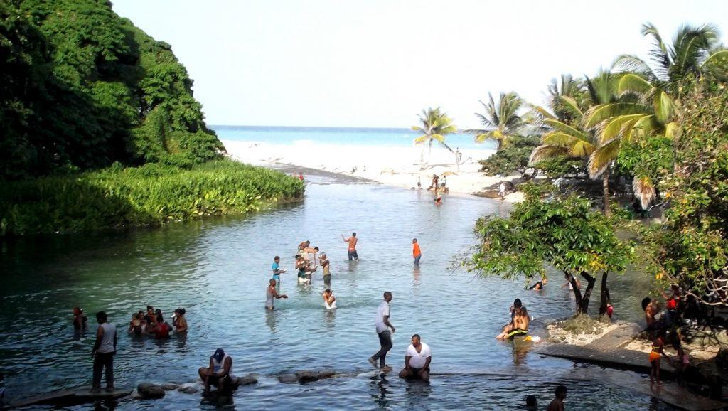 LatinA Tours Dominikanische Republik Los Patos Naturpool Flussbaden