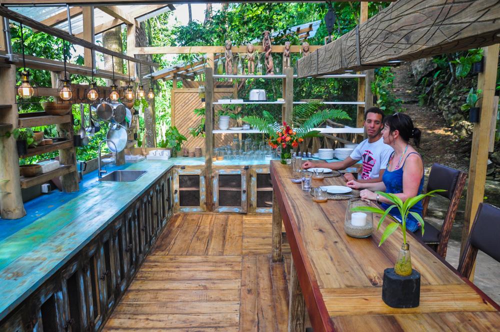 LatinA Tours Dominikanische Republik Unique Exotic Eco Hotel Küche unter freiem Himmel