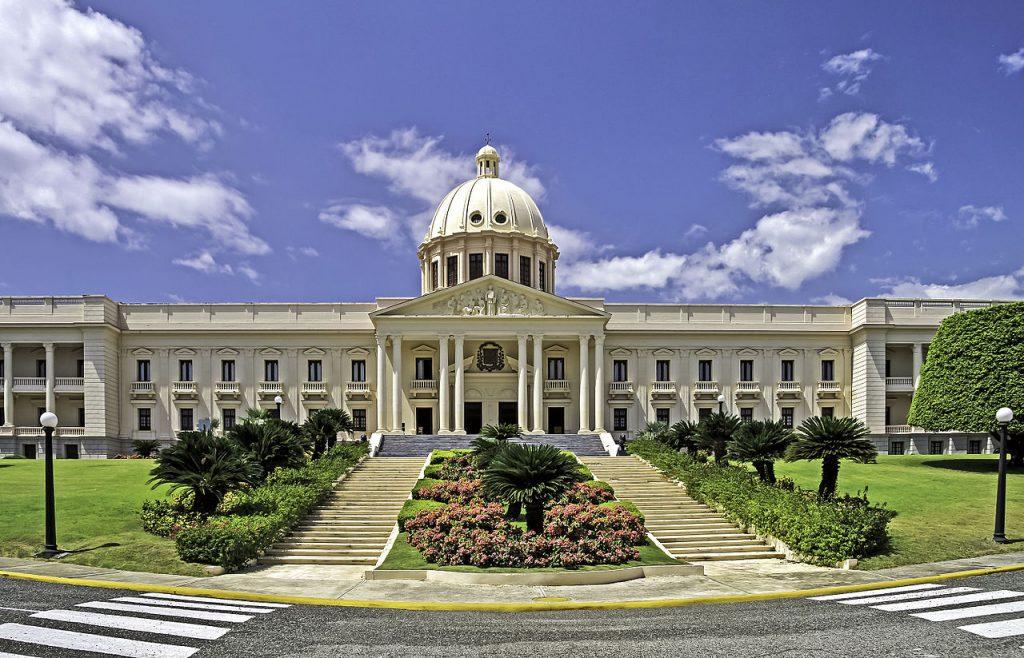 LatinA Tours DomRep Santo Domingo Regierungspalast
