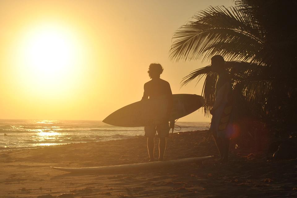 LatinA Tours Dominikanische Republik Cabarete Wellenreiter Sonnenuntergang