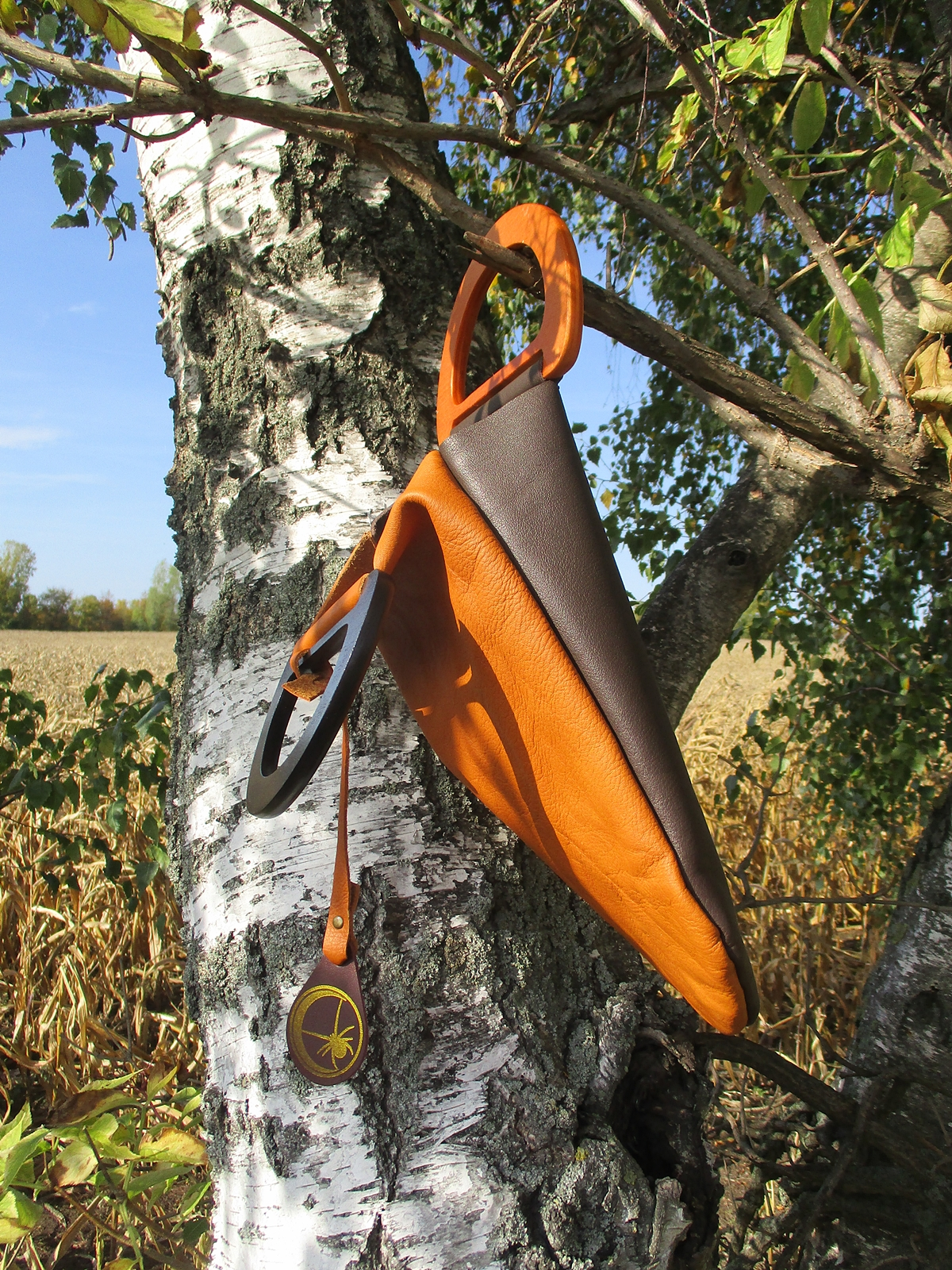 Handtasche mit Holzgriffen (cognac-dunkelbraun)
