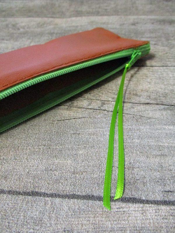 Federmäppchen Stiftemäppchen braun-hellgrün Leder - Ledertaschenmanufaktur