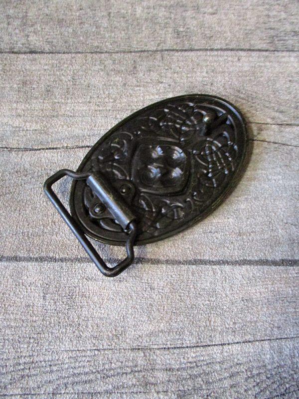 Gürtelschnalle Metallschließe Buckle messing Metall oval keltischer Knoten