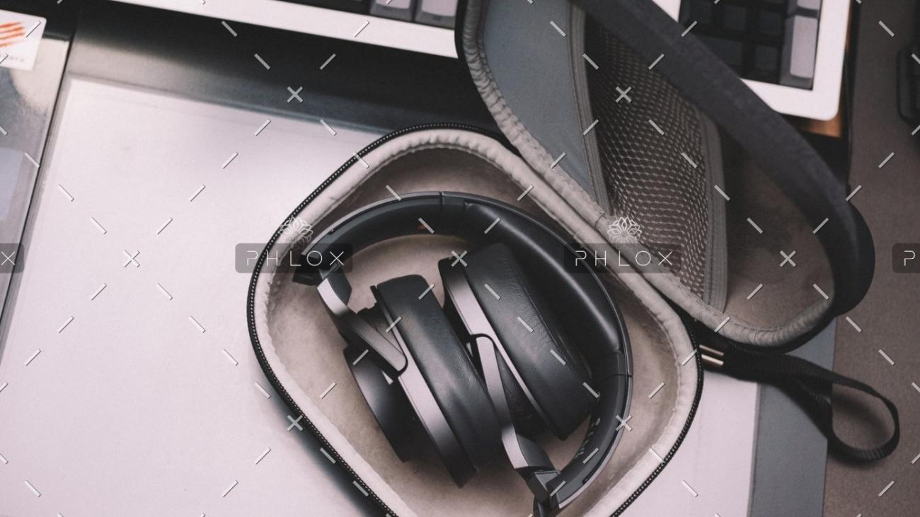 demo-attachment-615-case-electronics-equipment-2080611