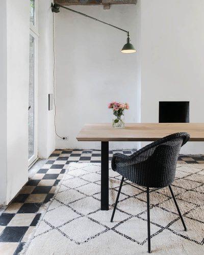 mat verlichting stoelen en tafels