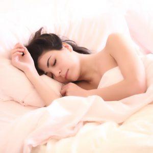 Lees meer over het artikel Dit is waarom je niet te vaak op je snooze button moet drukken.