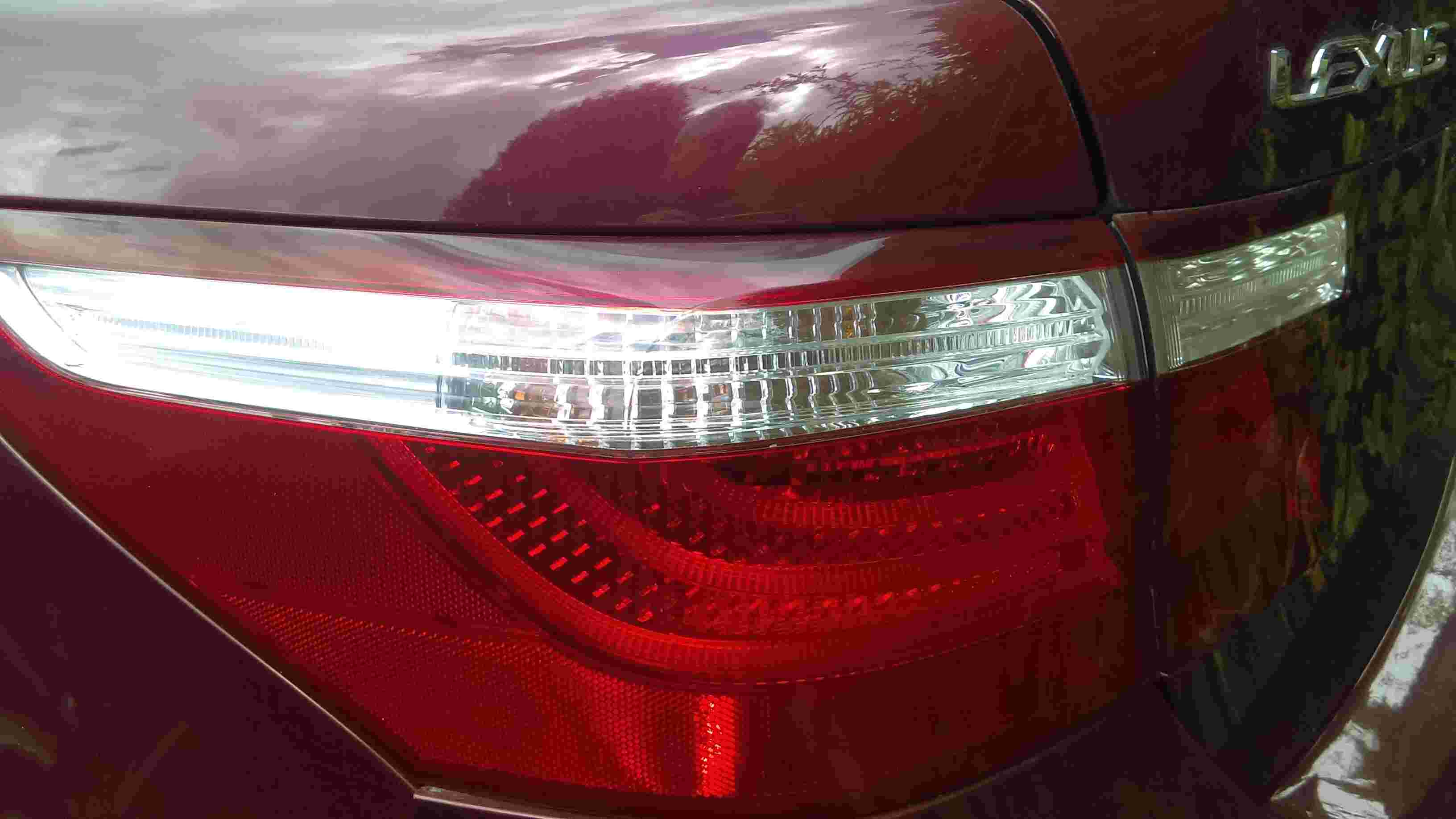 used Lexus parts taillight