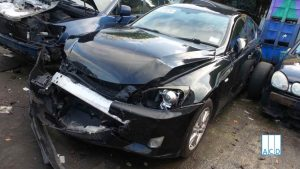 LEXUS IS220D SE used spare parts