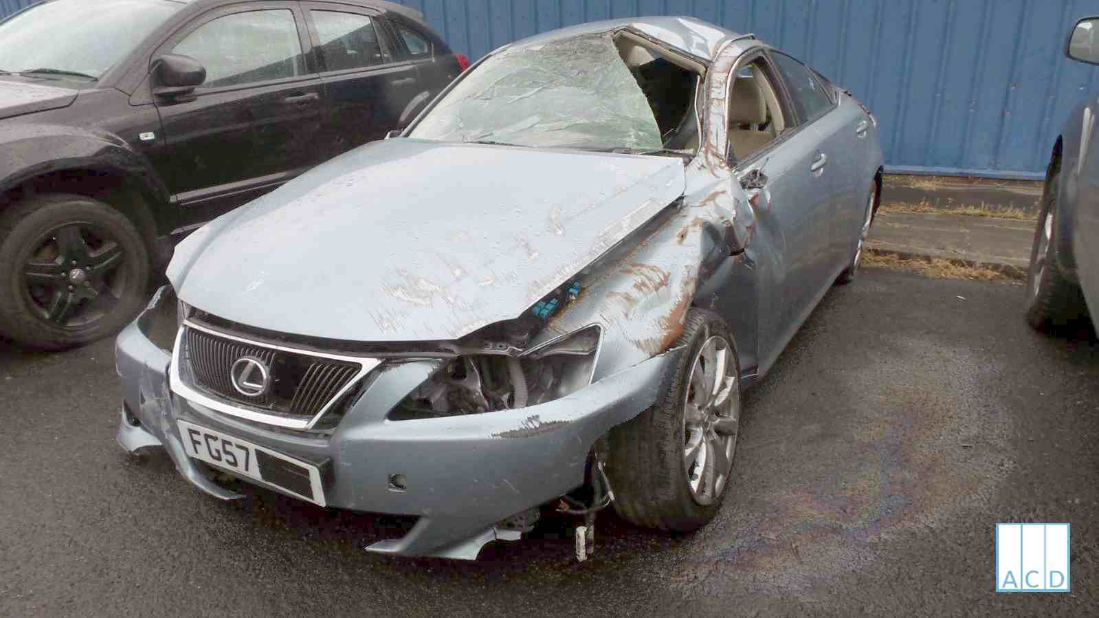 LEXUS IS 220D used spare parts