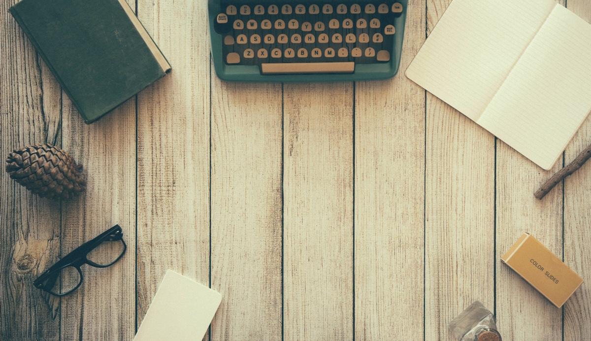 Für nebenberufliche Blogpreneuere ist die monatliche Buchhaltung gar nicht so einfach zu bewältigen - was auch daran liegt, dass es wenig Spaß macht, mit statischen Excel-Tabellen zu hantieren. Mehr Spaß macht es, wenn intelligente Software Arbeit abnimmt und man so Zeit hat, sich auf die schönen DInge des Bloggerlebens zu konzentrieren - das Schreiben zum Beispiel.