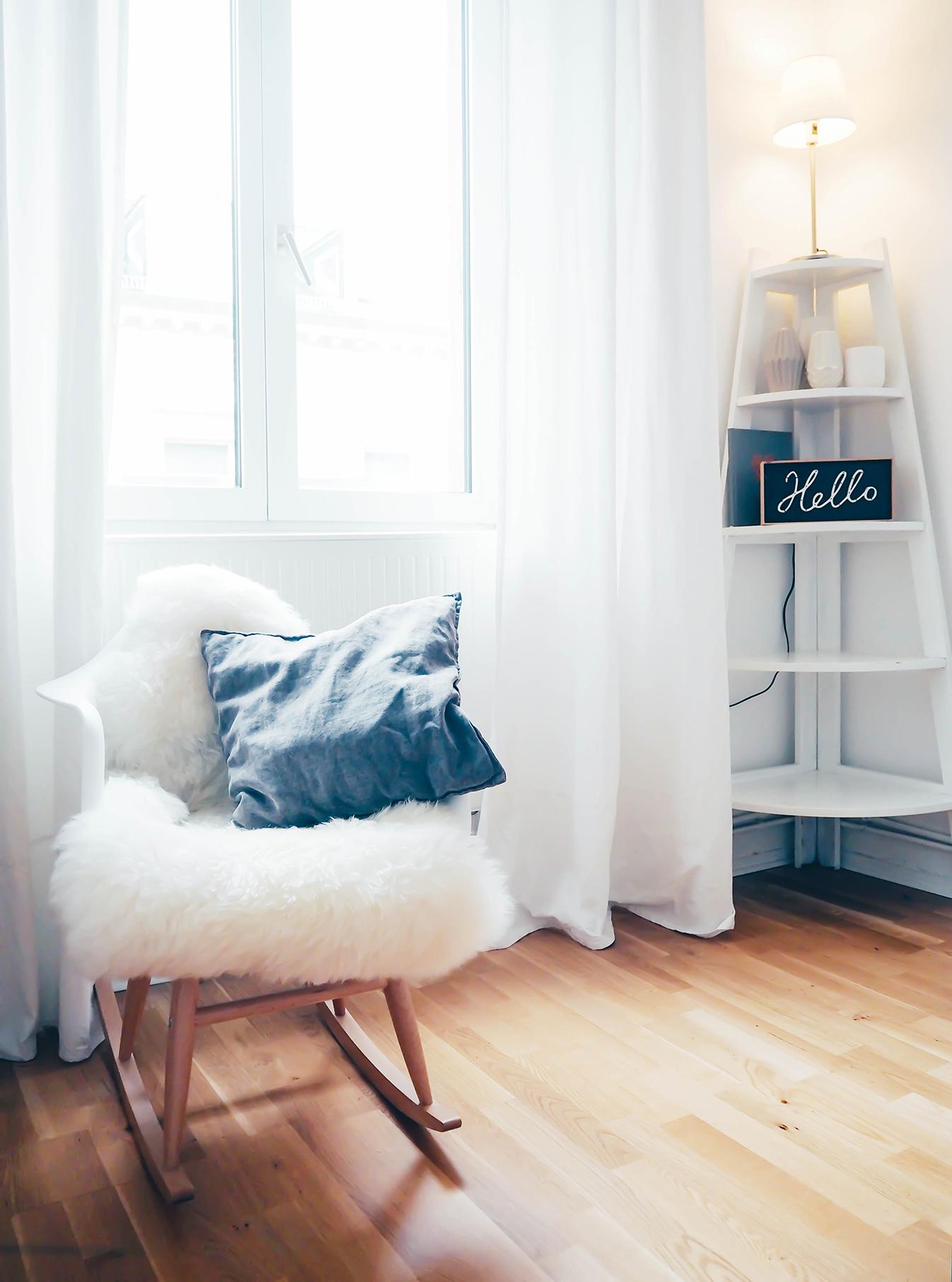 Tres-jolie-Wiesbaden-Homestory-Lieblings-Blog_Living-room-Schaukelstuhl