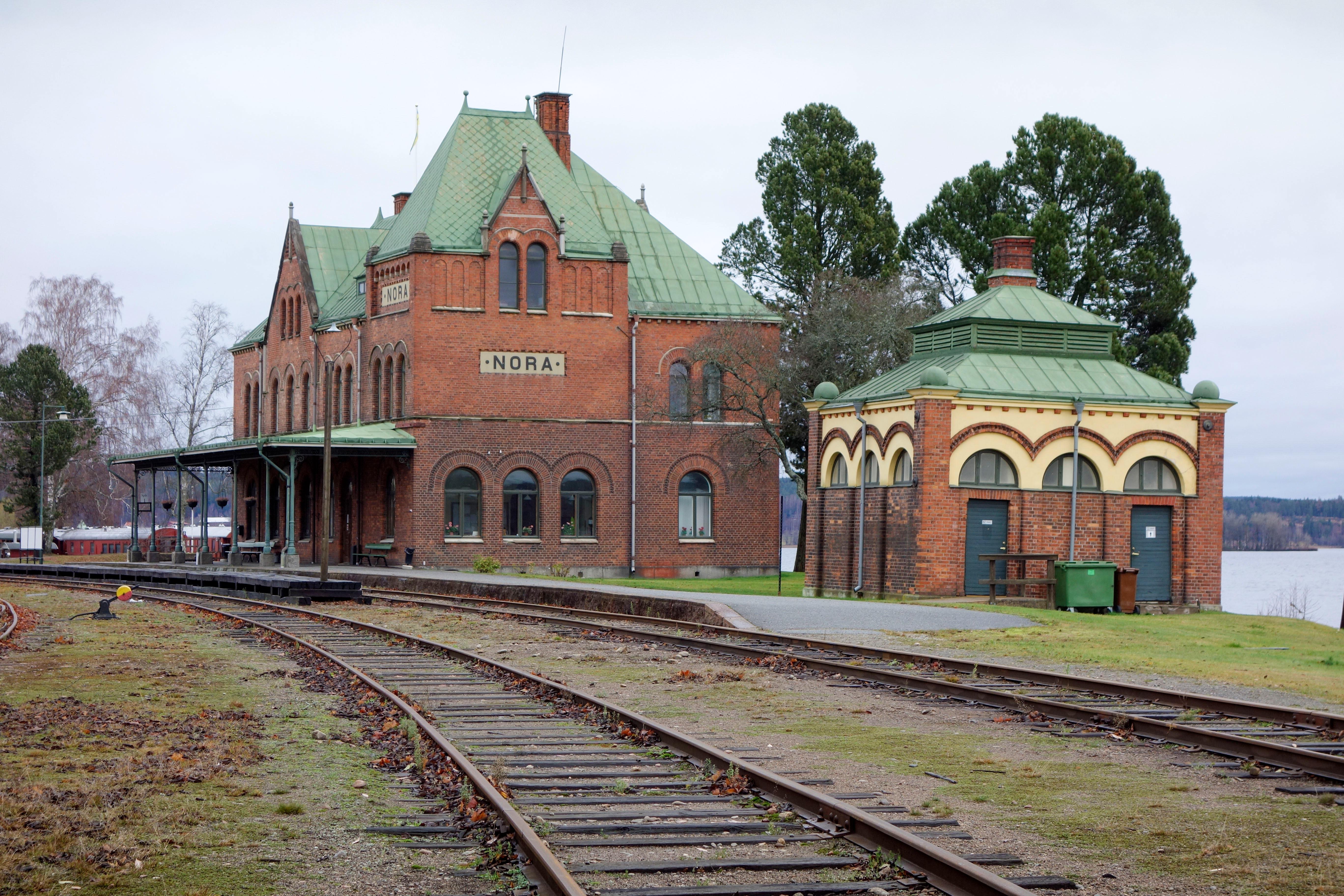 Trainstation, Nora