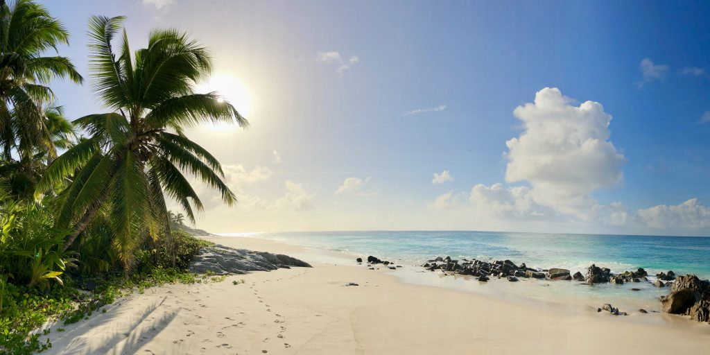 Beach panorama on Fregate Island. Photo by Mihaela Limberea.