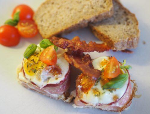 Egg cocotte med sprøstekt bacon