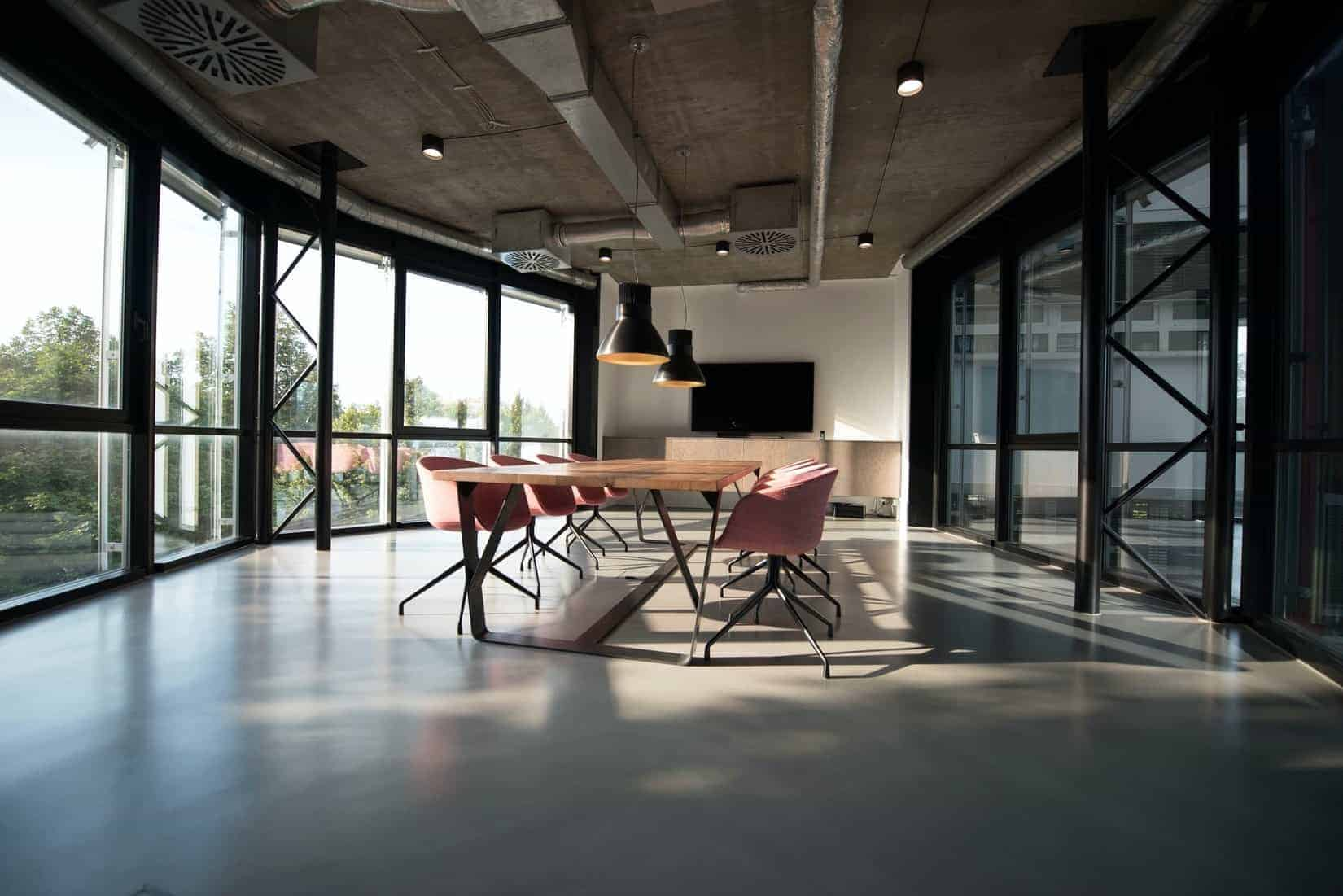 Immobilieninvestor in Halle - Polis erwirbt Büro- und Geschäftshaus
