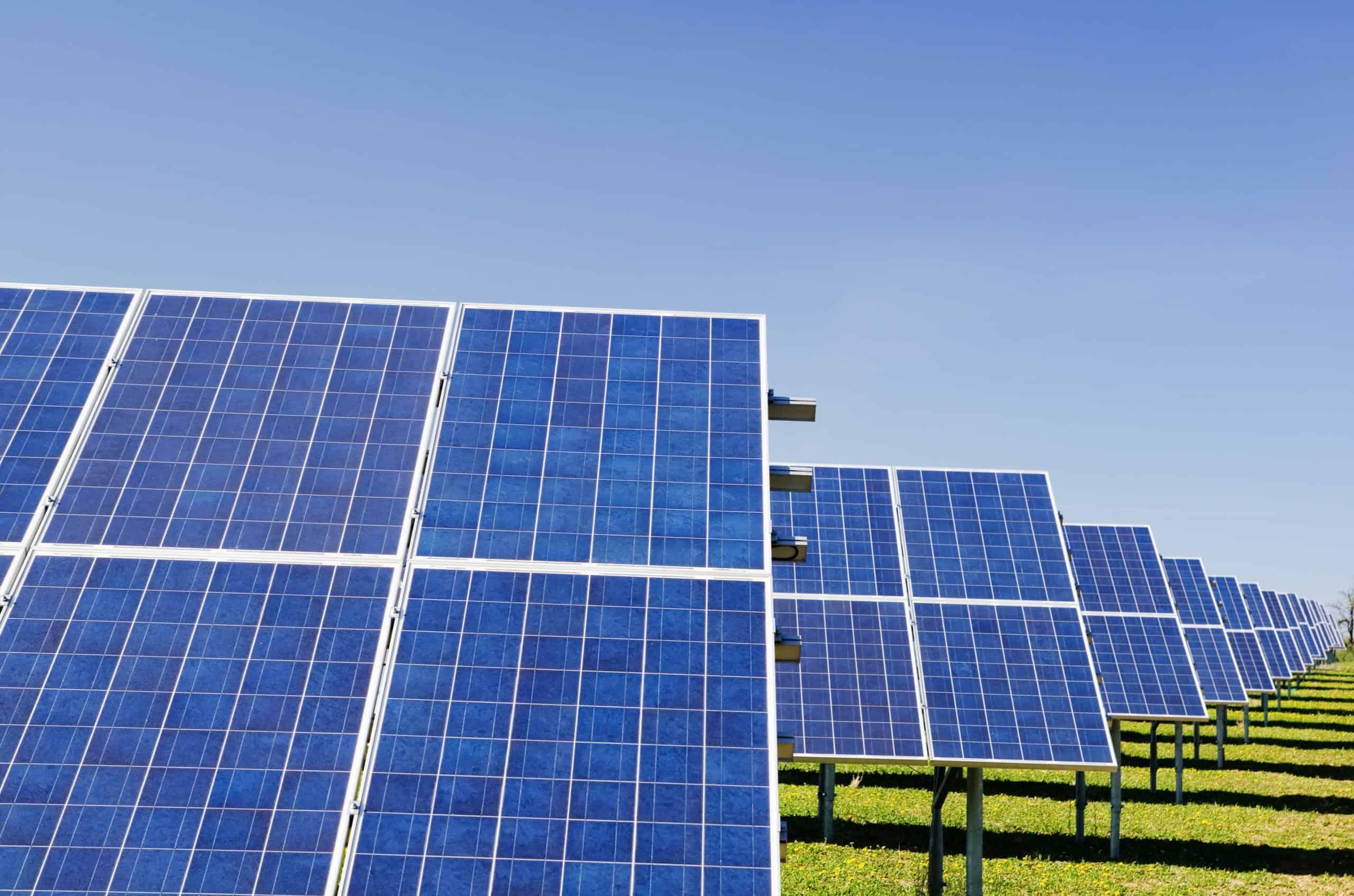 Diese 3 europäische Single Family Offices investieren in Erneuerbare Energien