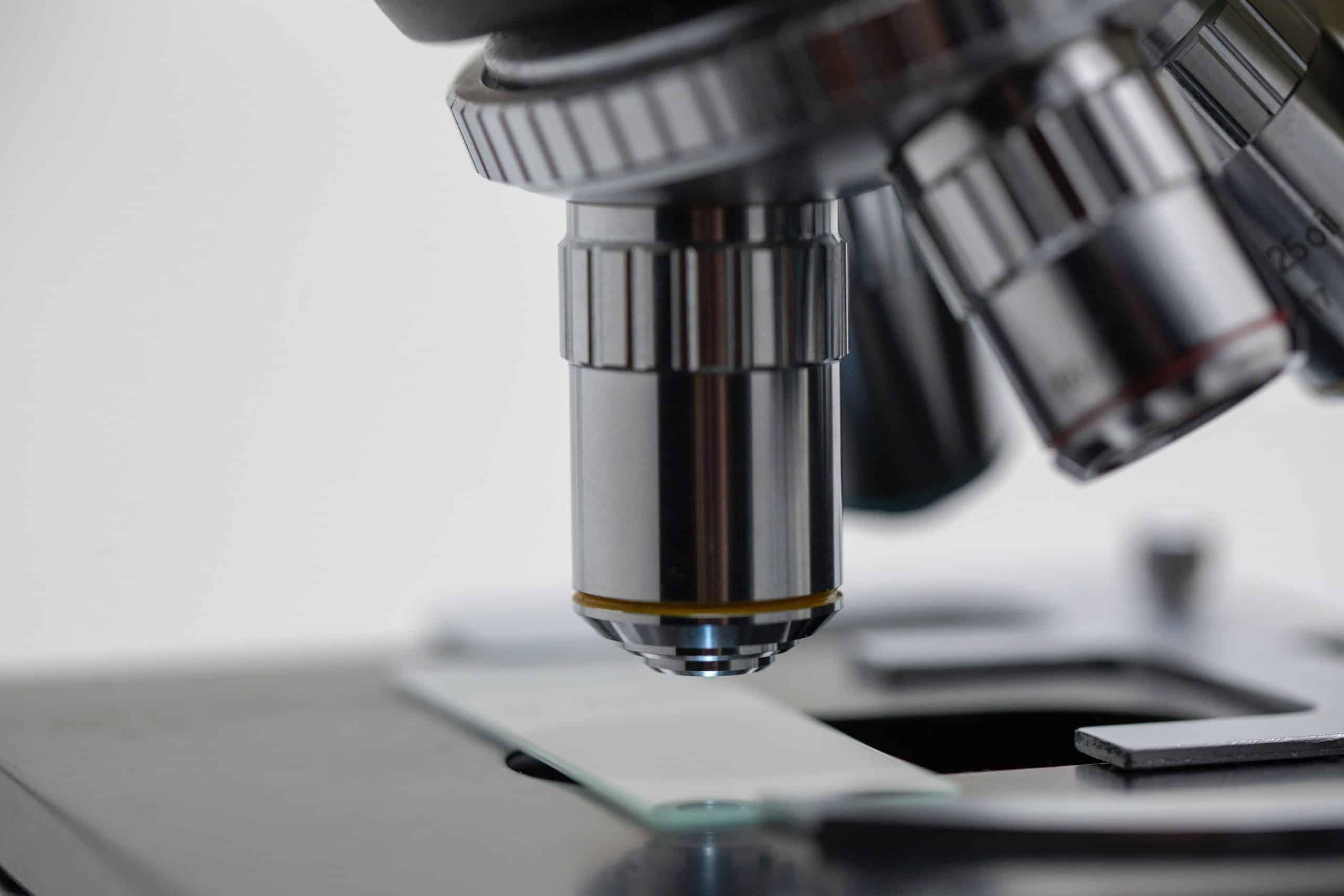 Chemieunternehmen mit Pharmafokus kauft Biotech Unternehmen